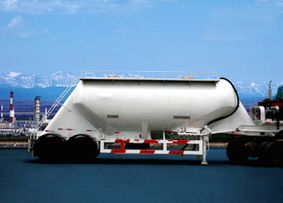 52000L Dry Bulk Pneumatic Tanker Semi Trailers with 3 Axles for Bulk Carbon Black Powder, Cement Tanker Semi Trailer